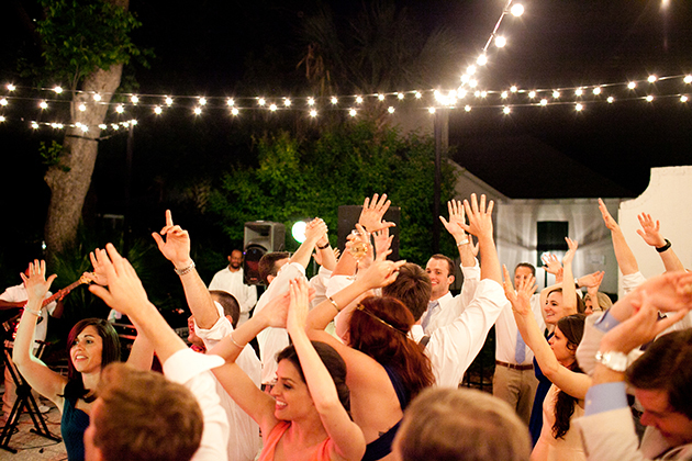 keeping-dance-floor-packed-at-wedding