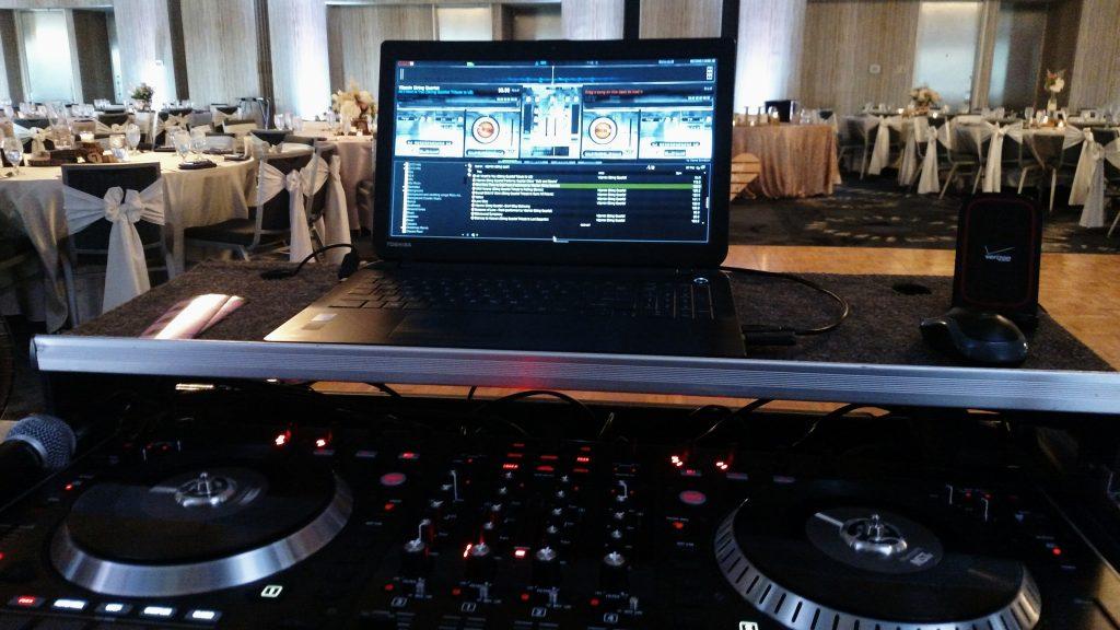 Nassau Bay Hilton DJ